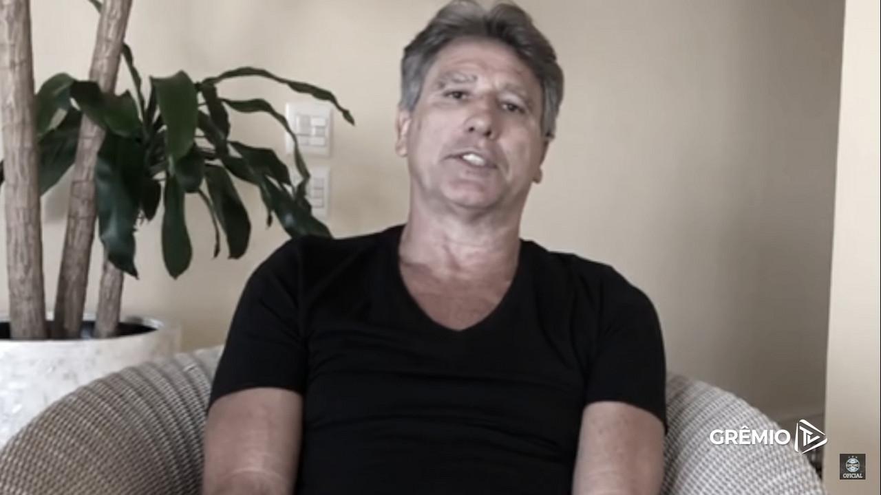 Em isolamento no Rio, Renato Gaúcho elogia postura preventiva do Grêmio nos treinamentos