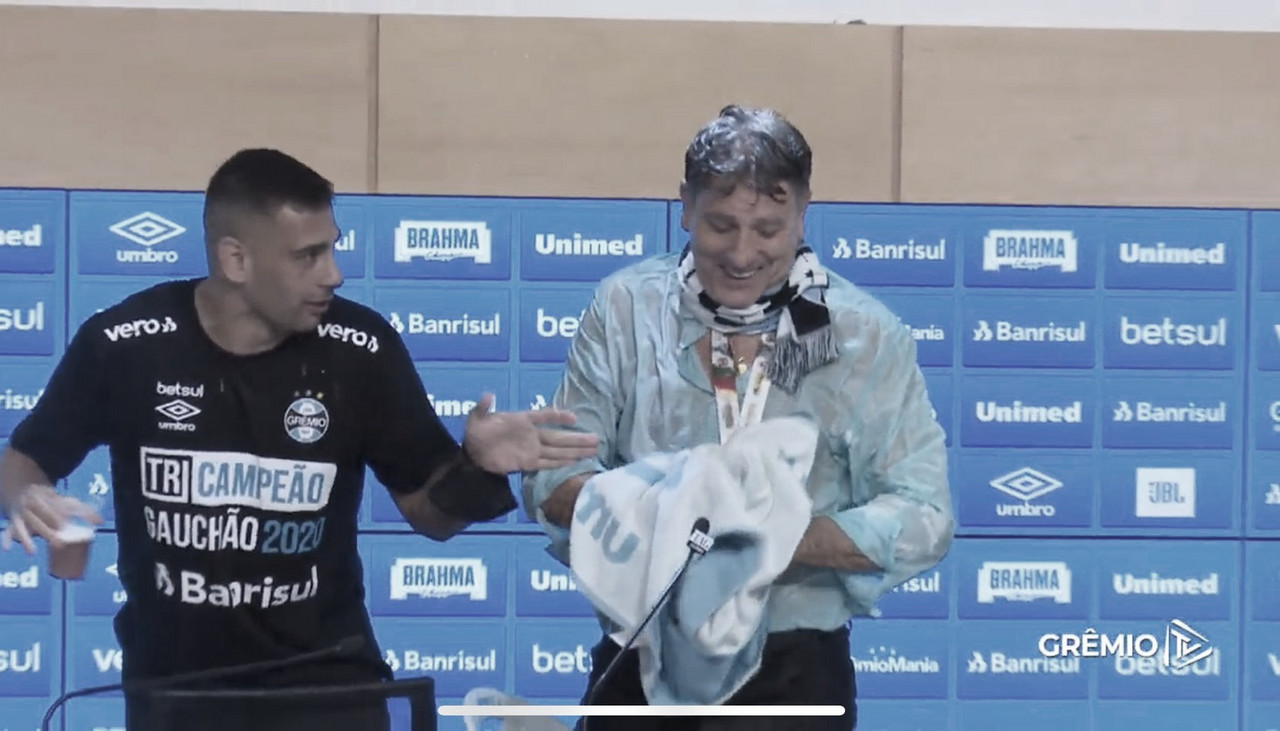 Renato Portaluppi exalta tricampeonato e reconhece partida abaixo do Grêmio