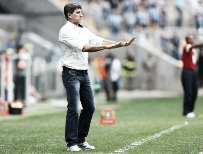 Renato Portaluppi exalta desempenho e elogia postura da equipe contra o Vitória