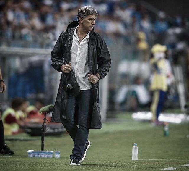 "Renato Portaluppi justifica time reserva no Gre-Nal: ""Poderia perder jogadores importantes"""