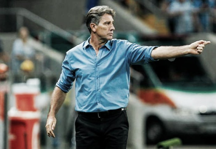 """Renato valoriza jogo coletivo e salienta evolução do Grêmio: """"Cumprindo a parte tática"""""""