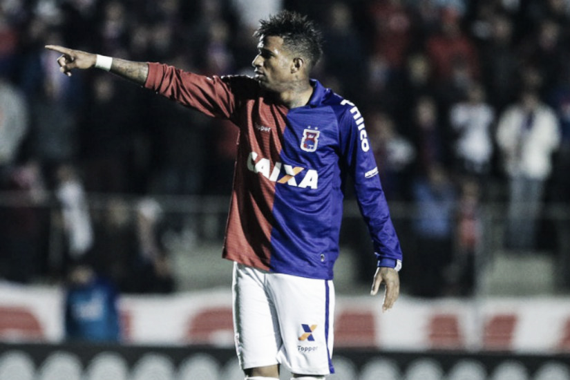 Paraná deve contar com retornos de Júnior e René Santos para partida contra o Vitória