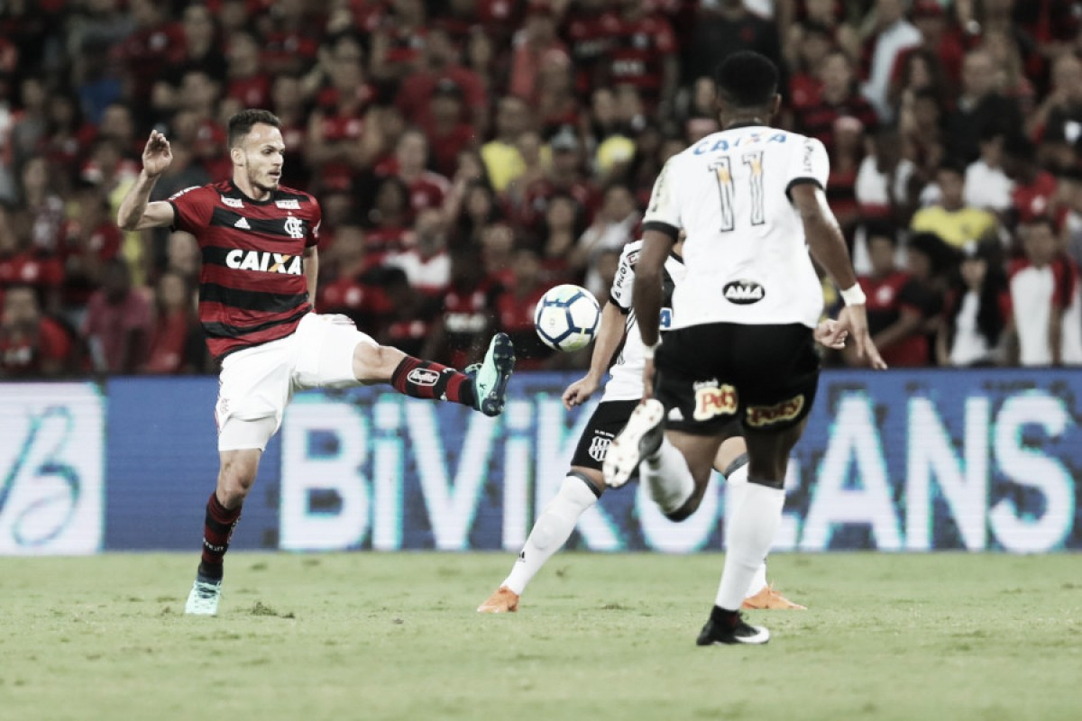 """Renê comemora boa fase e mudança tática do Flamengo: """"Jogamos de forma coletiva"""""""