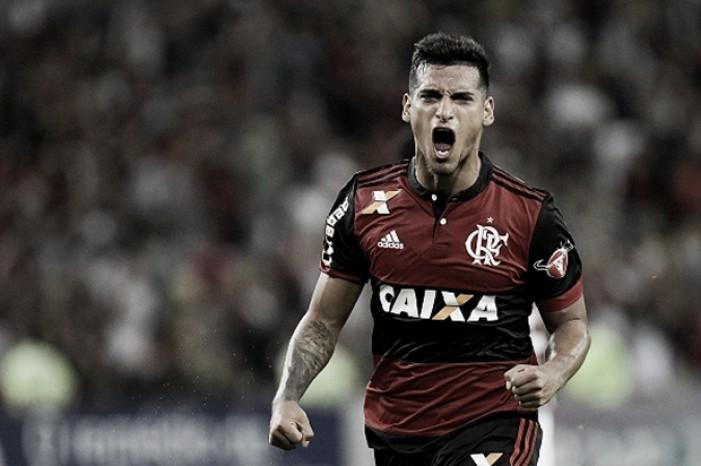 """Trauco vê Fla-Flu como ponto-final na má fase do Flamengo: """"É um empurrão que nos faz bem"""""""