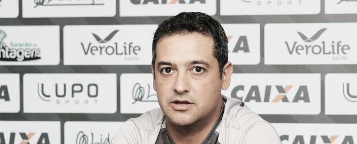 Marquinhos Santos elogia garotos do Figueirense mesmo após derrota em Recife