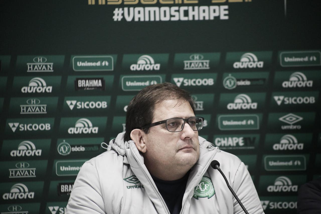 """Guto confia em recuperação da Chape após volta ao Z-4: """"Hora de tranquilidade"""""""