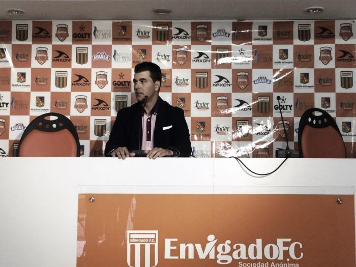 """Ismael Rescalvo: """"Cox hizo los goles pero resalto a todo el equipo"""""""