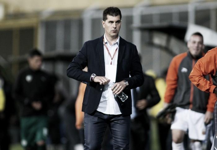 Ismael Rescalvo renuncia a la dirección técnica de Envigado