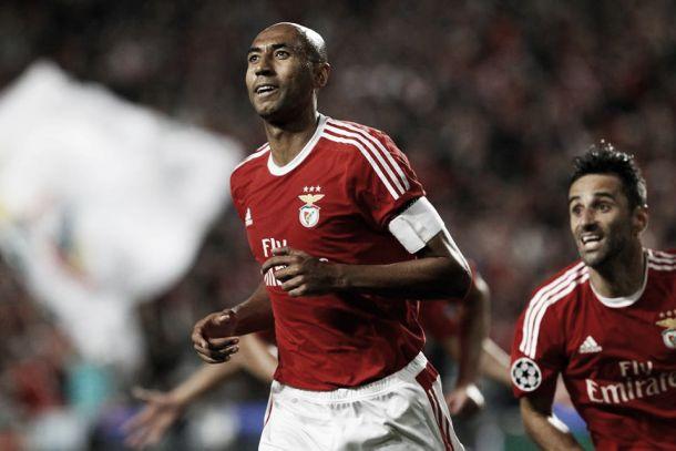 Luisão pede «respeito»: «Estou no Benfica há 12 anos e não há 12 dias...»