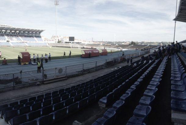Belenenses trava Porto e permite festejos antecipados do Benfica