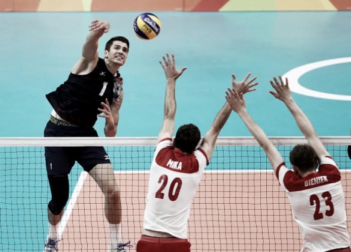 Estados Unidos vencem Polônia e encaram forte Itália na semifinal do vôlei masculino