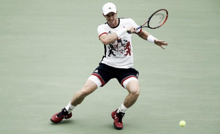 Atual campeão, Andy Murray derrota sérvio Viktor Troicki com tranquilidade