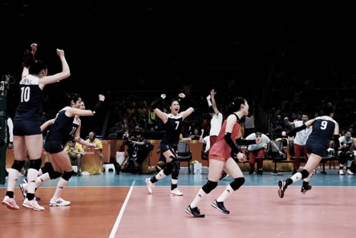Brasil perde para China no tiebreak e dá adeus ao sonho do tri no vôlei feminino