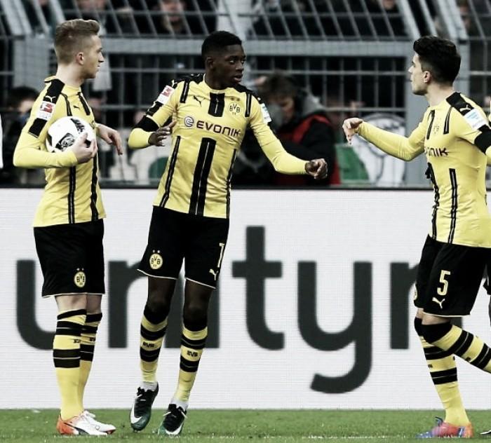 Reus comanda, Dortmund goleia e afunda Borussia M'Gladbach