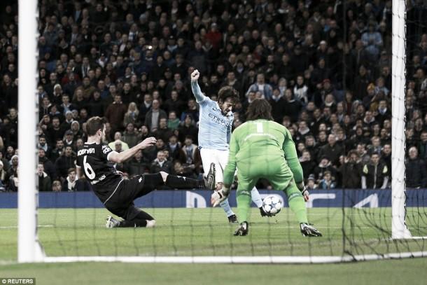 Manchester City vence Mönchengladbach e termina na liderança do Grupo D