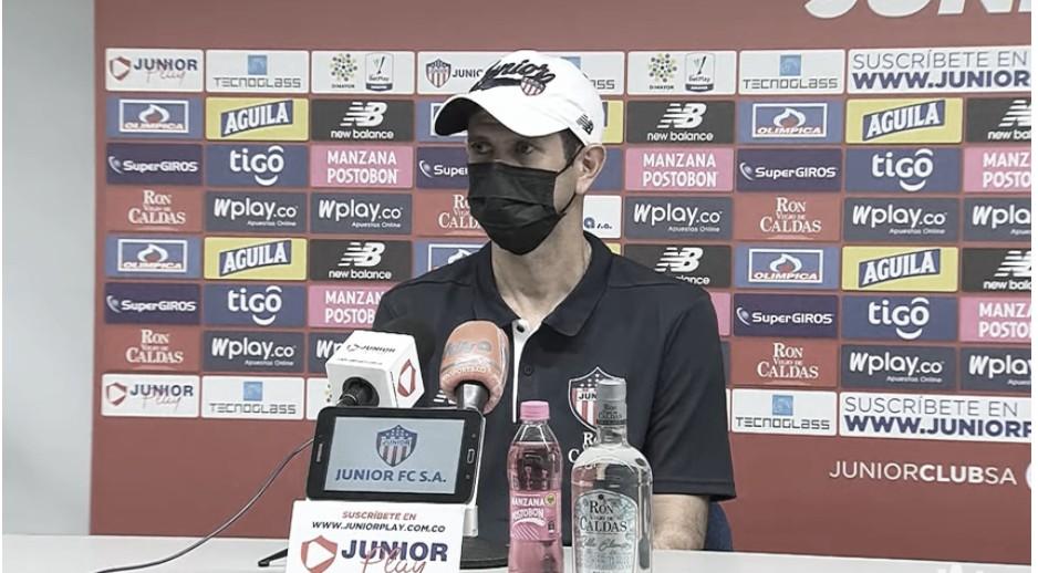 """Arturo Reyes: """"Hay que ajustar aspectos defensivos, pero vamos bien"""""""