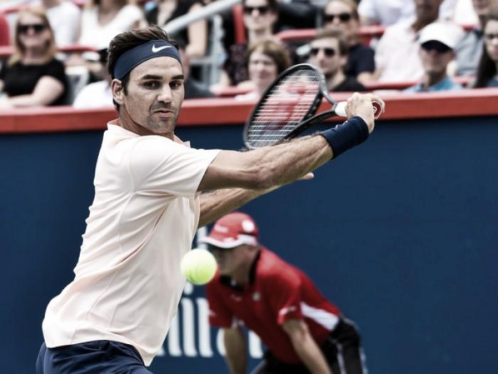 Federer despierta a tiempo del letargo