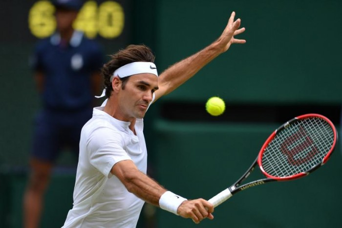 Wimbledon, il ginocchio tradisce Federer: lo svizzero si arrende a Milos Raonic