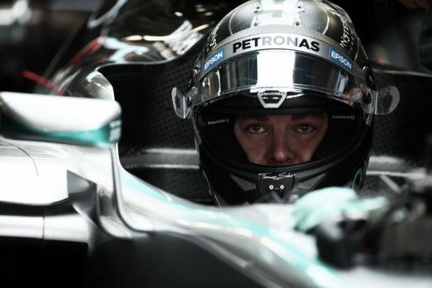 """F1, Rosberg si gode la pole a Sochi: """"Contento della macchina, voglio ridurre il gap da Lewis"""""""