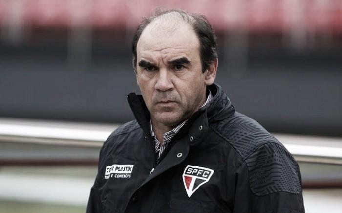 """Ricardo Gomes parabeniza postura da equipe, mas alerta: """"Temos que fazer alguma coisa diferente"""""""