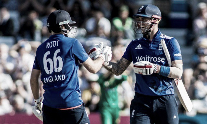 England attempt to maintain their unbeaten Twenty20 record in Manchester