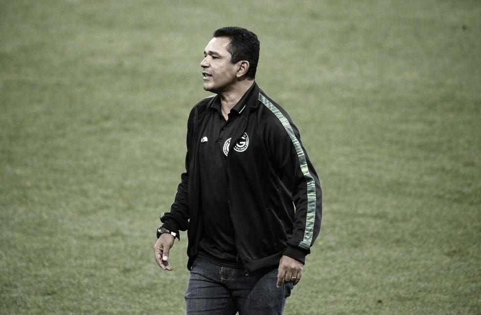 """Com nova estratégia, Glauber Moreira explica modificações e comemora vitória: """"Enganamos o time deles"""""""