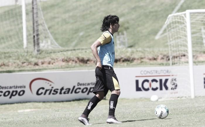 Desfalques fazem Roberto Cavalo improvisar nas duas laterais para jogo com Ceará