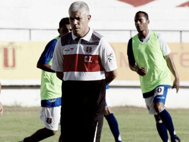 Ricardinho define Santa Cruz para estreia na Série B ante Macaé com três modificações