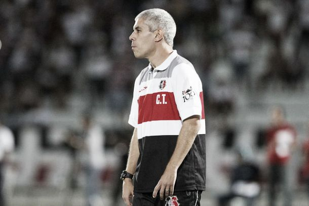 Ricardinho fica insatisfeito com atuação do Santa Cruz e cobra mudança de postura dos atletas