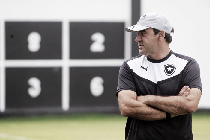 Botafogo anuncia permanência de Ricardo Gomes e frustra planos do Cruzeiro