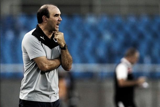 """Ricardo Gomes reconhece superioridade do Santa Cruz após derrota: """"Mereceu a vitória"""""""