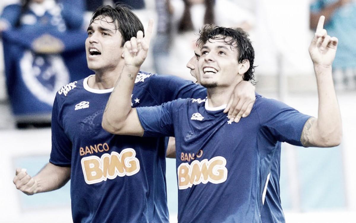 Com três de Goulart, Cruzeiro passeou sobre Universidad de Chile em 2014