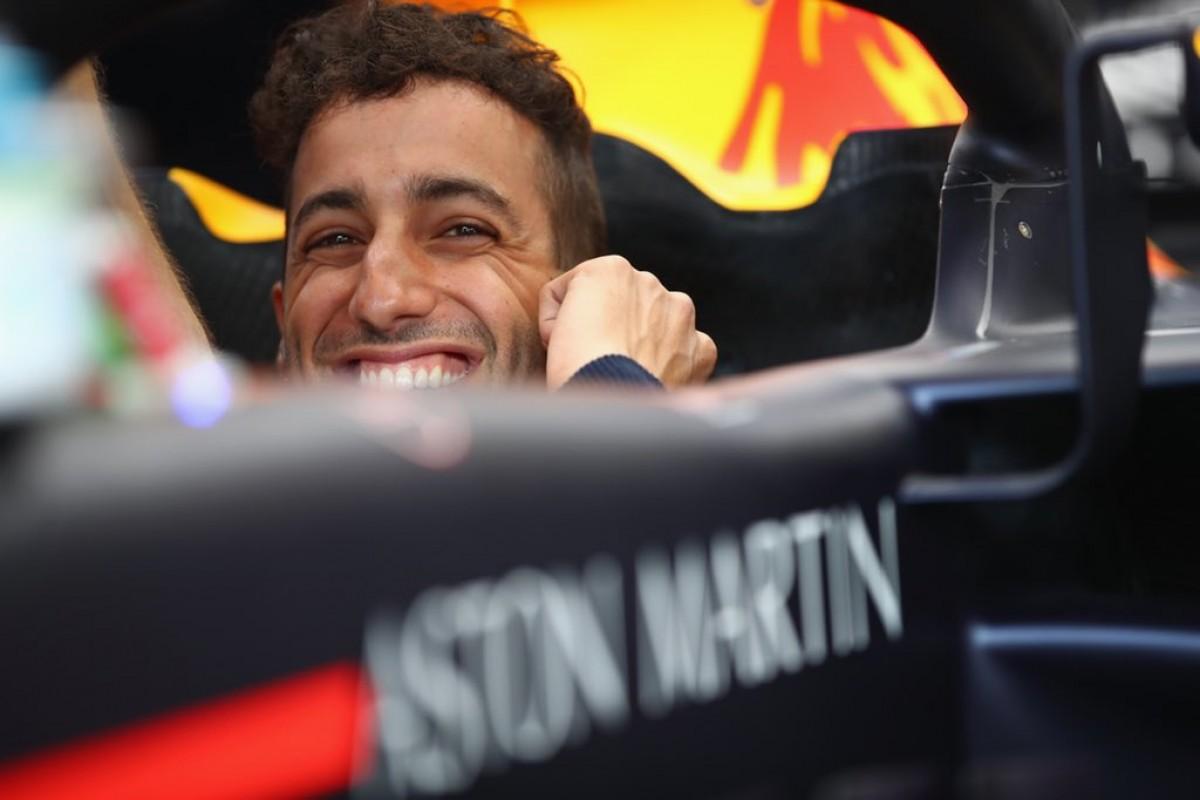 Formula 1 - Nuovo motore e penalità per Ricciardo