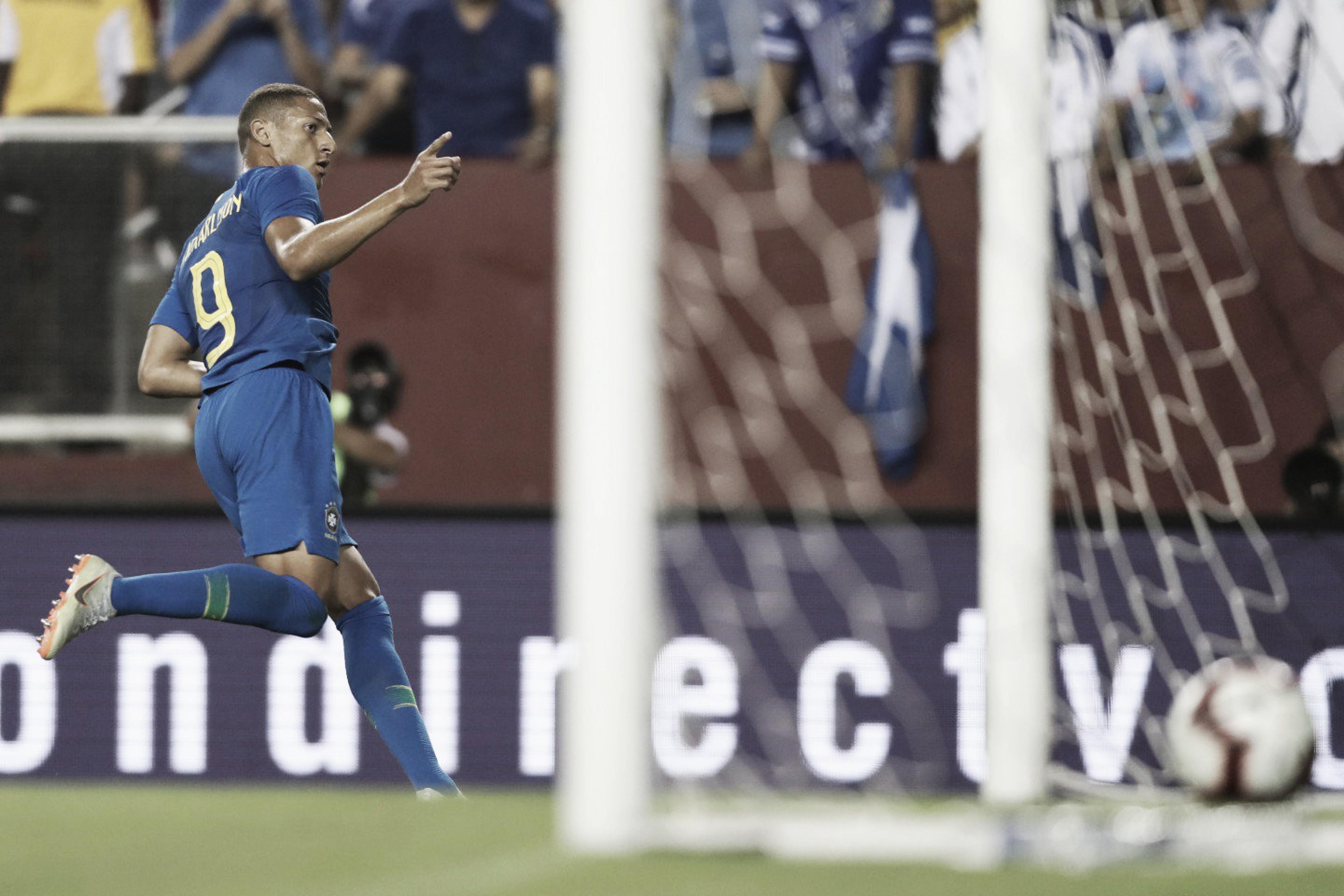 Em noite de Richarlison, Brasil goleia El Salvador e conquista segunda vitória após Mundial