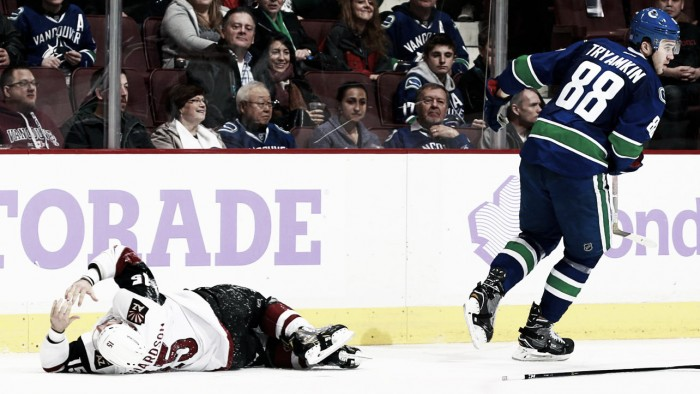 Arizona Coyotes lose another overtime game to Vancouver Canucks