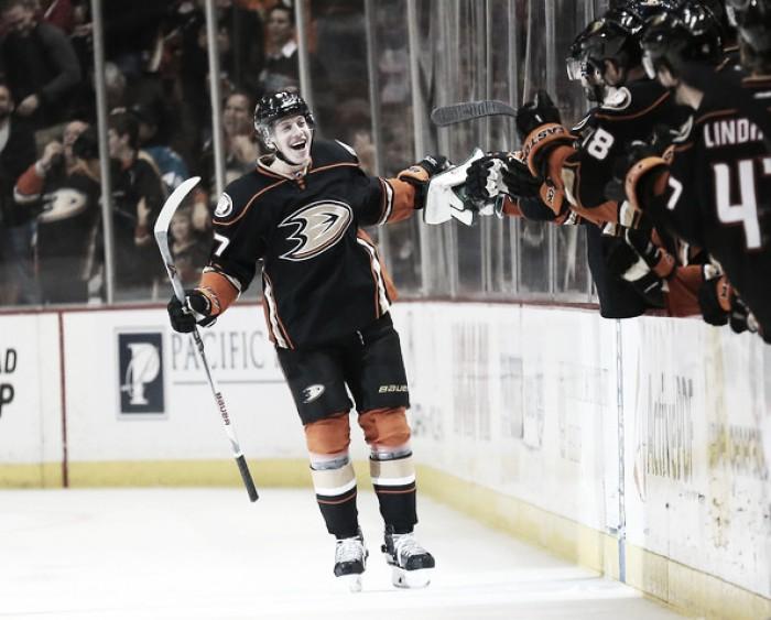 Rakell renueva con los Ducks