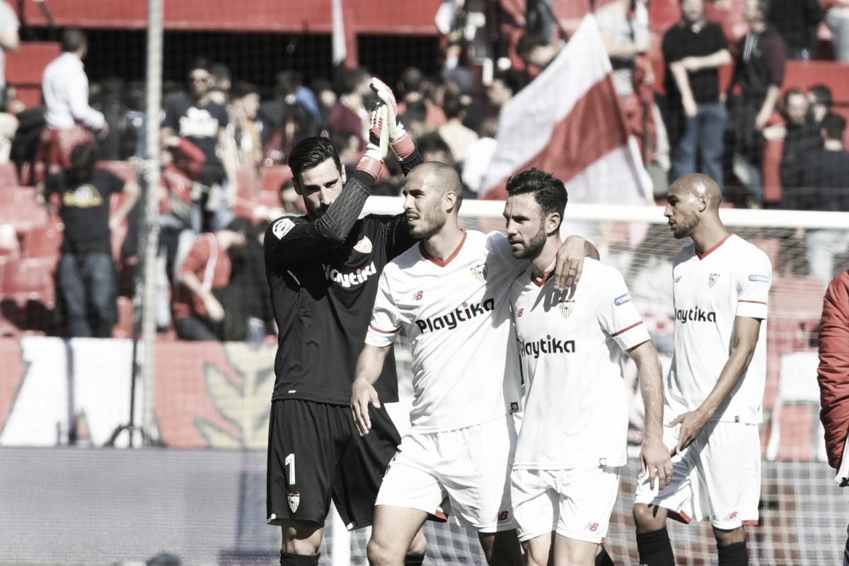 El debate: ¿quién debe ser el portero del Sevilla?