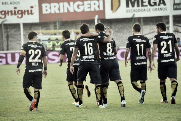 """Rosario Central 3 – Deportivo Riestra 1. Puntuaciones del """"Canaya"""""""