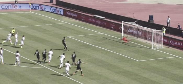 Serie B: Bari opaco e sfortunato, Venezia cinico. Al San Nicola finisce 0-2