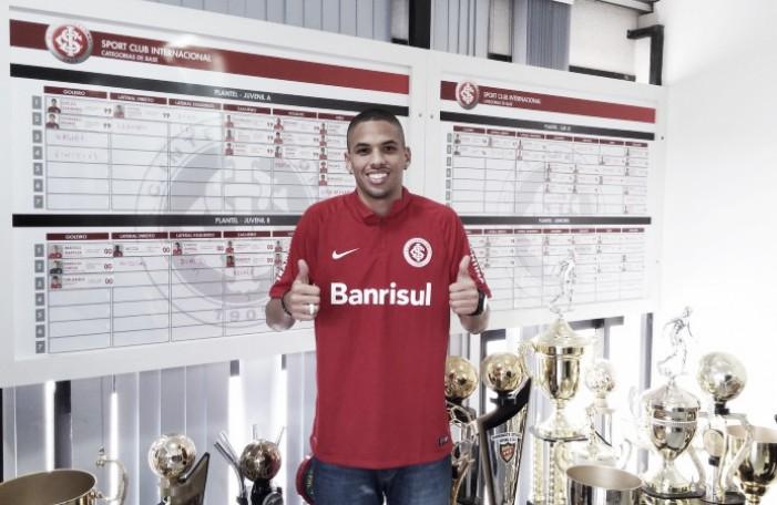 Internacional anuncia contratação de Rivaldinho para o time B