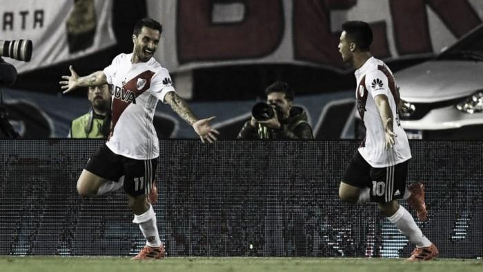 River Plate pegó y ganó en primera batalla contra Lanús
