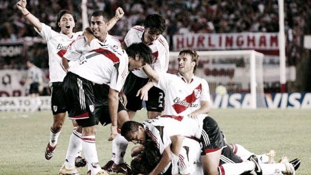 Historial de River contra equipos bolivianos