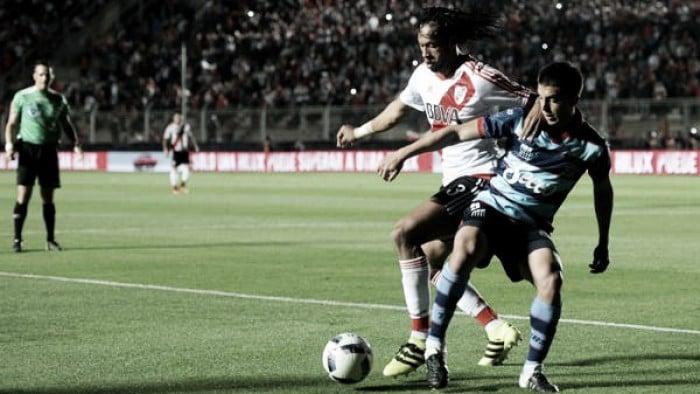 Resumen y goles del Arsenal vs River Plate por Torneo de la Independencia (2-2)