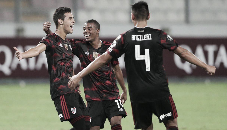 Ferreira salvó a River en el debut copero