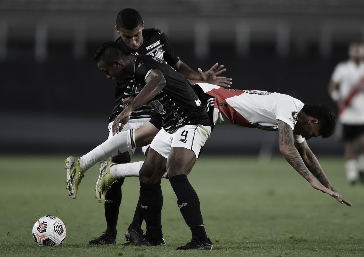 Junior cayó ante River y complicó su situación en la Libertadores