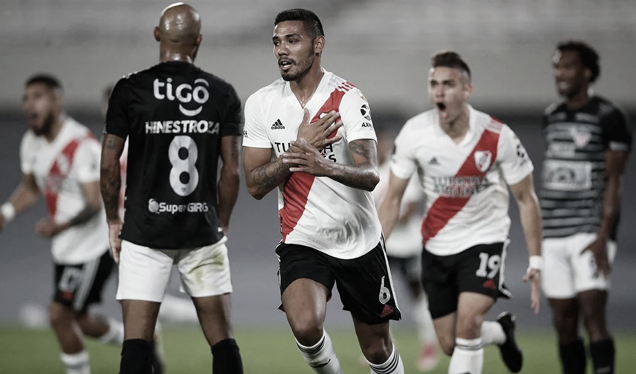 River Plate vs. Junior: Copa Libertadores.