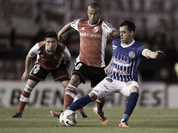 River Plate clasifica ante el Tomba