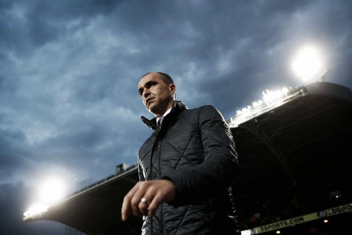 Depois de péssima campanha, Everton demite técnico Roberto Martínez
