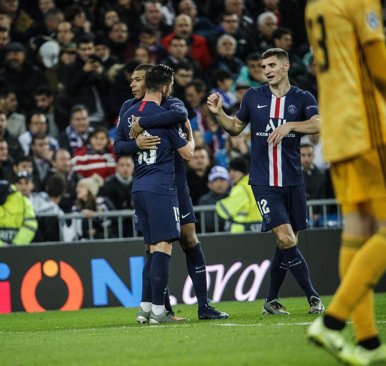 Bale stampa sul palo i tre punti del Real: il PSG in rimonta fa 2-2 al Bernabeu