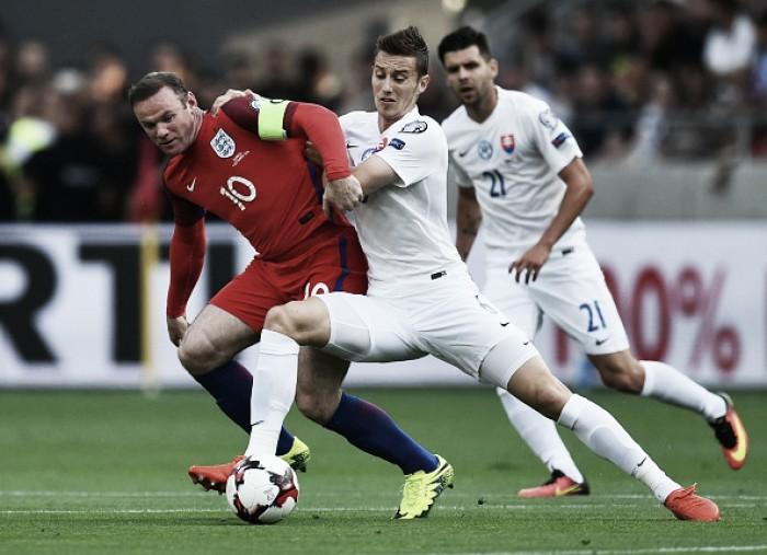 Na estreia de Allardyce, Lallana marca no fim e Inglaterra bate Eslováquia pelas Eliminatórias